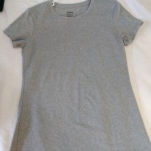 Women's Reebok Grey Short sleeve shirt M